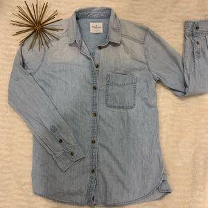 Like New American Eagle Jean Button Down Small